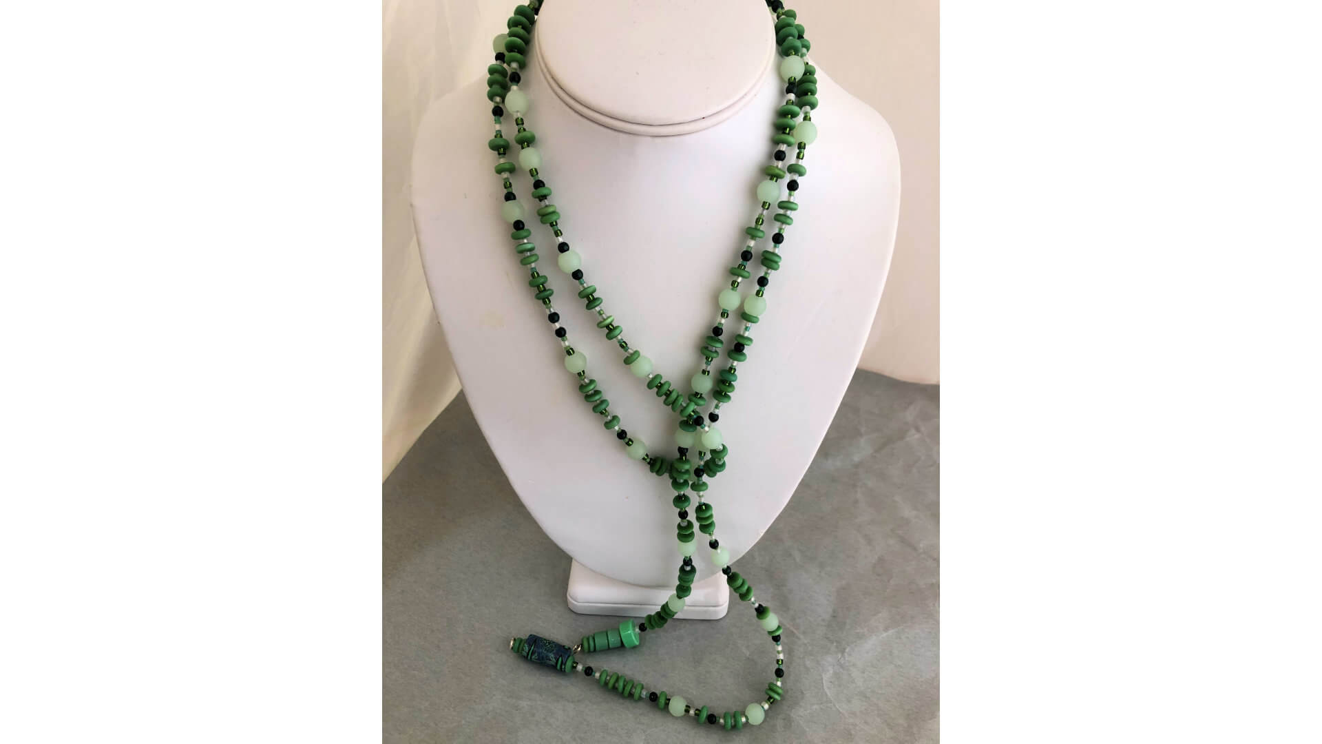 Green Beaded Lariat Necklace by Susan Hazer Designs